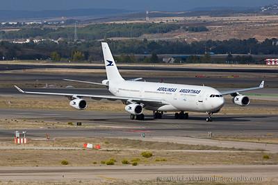 LV-CEK. Airbus A340-312. Aerolineas Argentinas. Madrid. 111014.