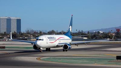 XA-AMU. Boeing 737-852. Aero Mexico. Los Angeles. 260913.