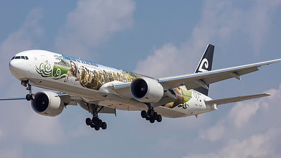 ZK-OKP. Boeing 777-319ER. Air New Zealand. Los Angeles. 270914.