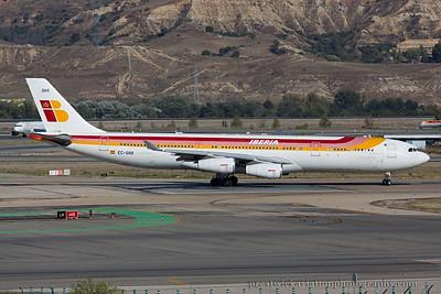 EC-GHX. Airbus A340-313. Iberia. Madrid. 121014.