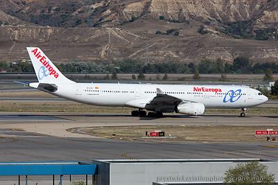 EC-LXA. Airbus A330-343. Air Europa. Madrid. 121014.