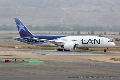 CC-BBH. Boeing 787-8 Dreamliner. LAN Airlines. Madrid. 111014.