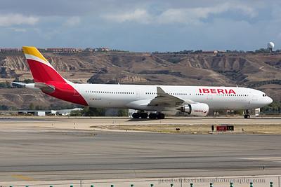 EC-LYF. Airbus A330-302. Iberia. Madrid. 121014.