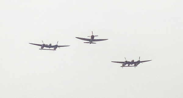 September 2004 - Labor Day Air Show - Middlesboro, KY - P-38s Glacier Girl, Porky II and P-47 Thunderbold