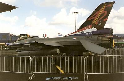 M V K Valkenburg air show 1997  KLU F 16 312 sqn