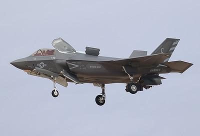 20171117_YUM_169414_CF-14_BF-59_F-35B_Marines_VMFA-211_WAKE_2523