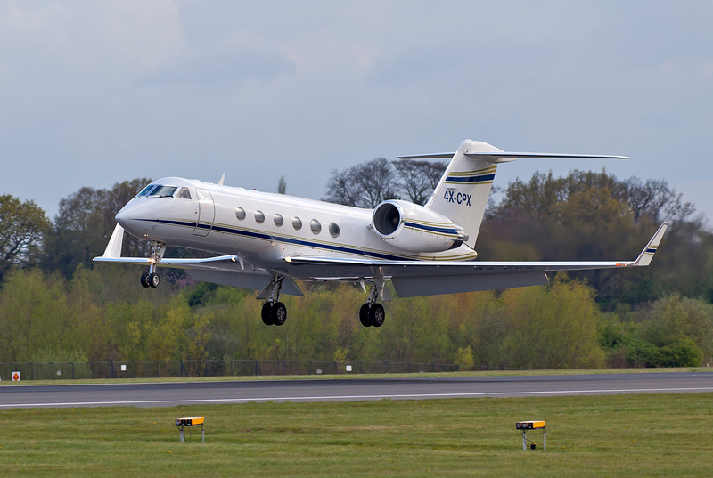 4X-CPX Nice Gulfstream. One of several footy charters finals 05R