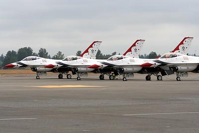 The Thunderbirds F-16 (100465979)