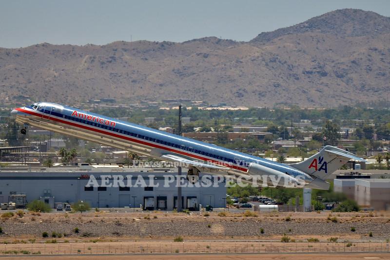 N497AA - 1989 McDonnell Douglas DC - 9 - 82 (MD - 82)