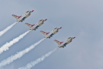 USAF T-birds Echelon Pass