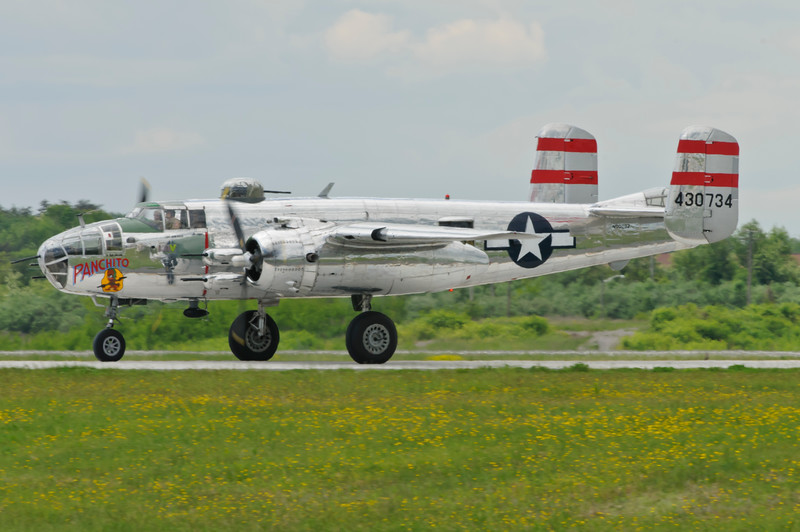 B-25J Mitchell bomber from WW2 taxiing back to the ramp