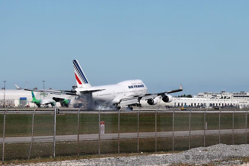 Air France B747 landing at MIA