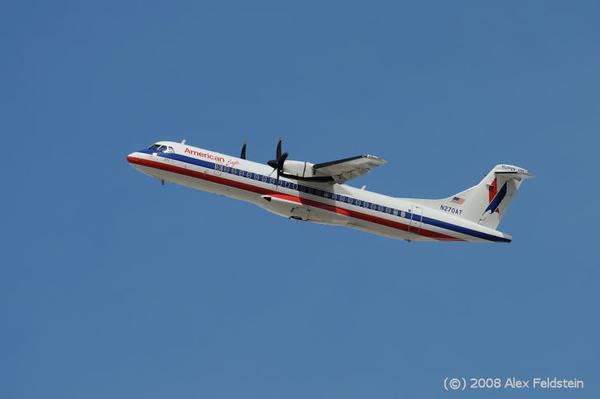 American Eagle ATR-72 taking off at Miami International (KMIA)