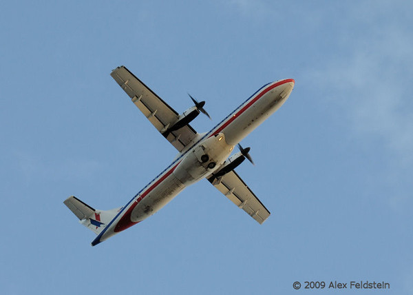 American Eagle ATR-72 go around