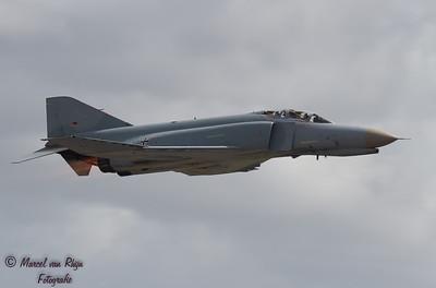 F -4 F  Phantom  !!-819