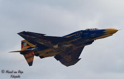 F -4 F  Phantom  !!-1080