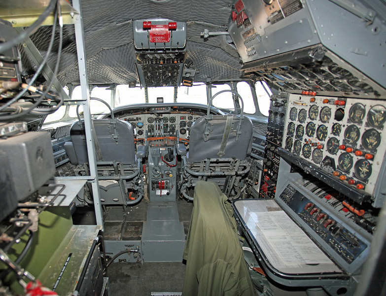 N422NA Lockheed C121 Constellation (K40G) Planes of Fame Museum (Cockpit)