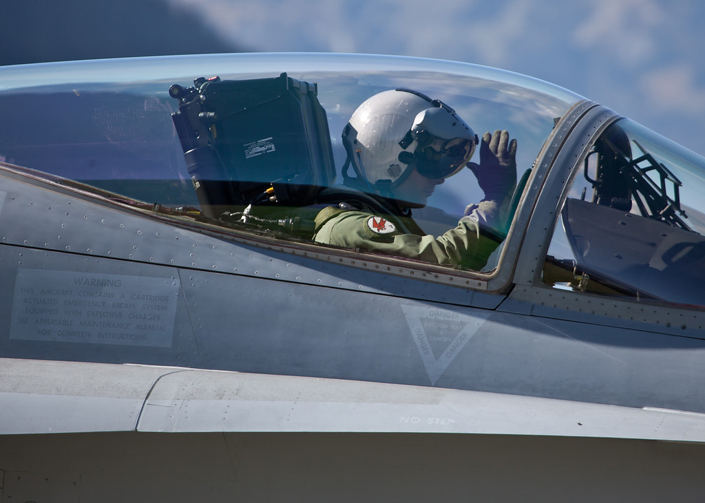 F_A18 Pilot