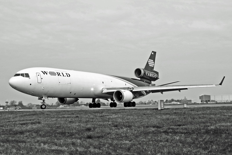 N382WA McDonnell Douglas MD-11 (RAF Brize Norton) World Airways B&W