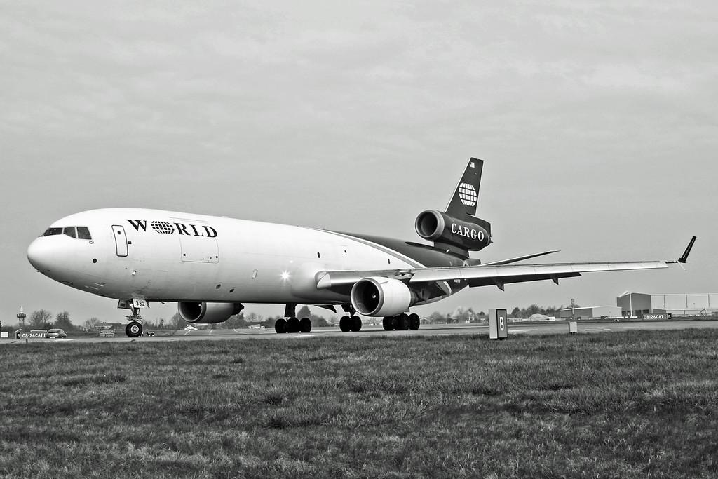 N382WA McDonnell Douglas MD-11 (RAF Brize Norton) World Airways B&W