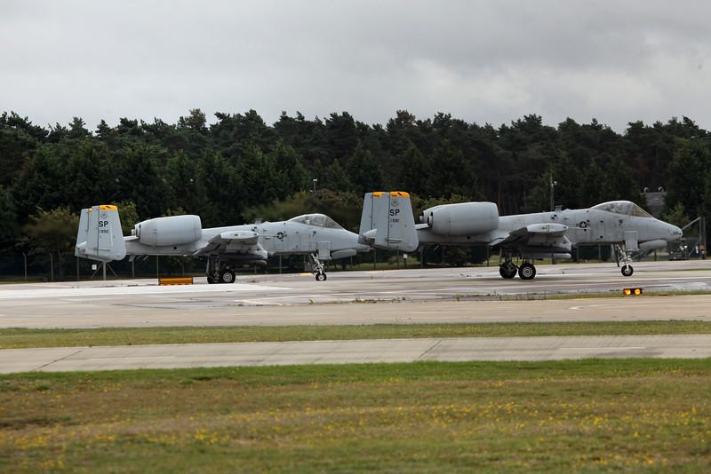 SP 81-991 & 992 A10s