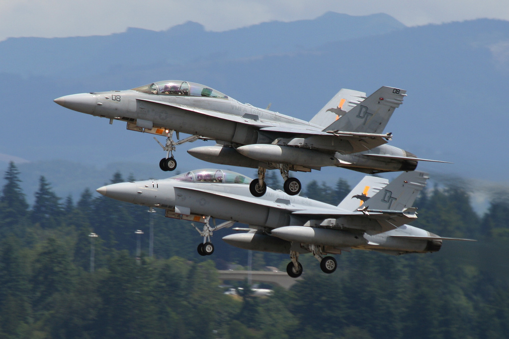 165686 / DT-08 and 164670 / DT-11  Boeing (McDonnell Douglas) FA-18D Hornet  US Marines