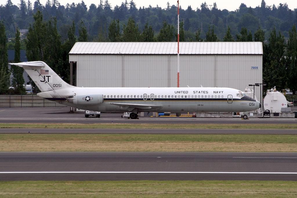 160051 c/n 47700  PDX - Portland International Airport  US Navy  McDonnell Douglas C-9B Skytrain II