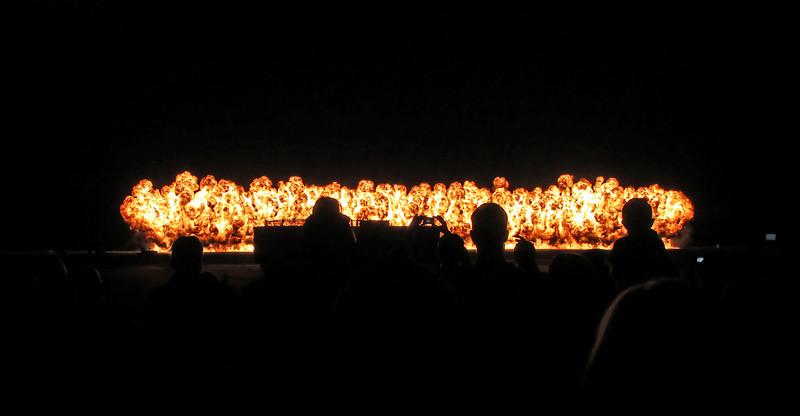USA 2011 - MCAS Miramar Air Show - Twilight Show - Great Wall of Fire