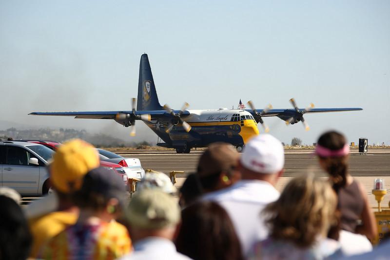 "USA 2009 - MCAS Miramar Air Show - US Marine Corps C-130 Hercules ""Fat Albert"" (Blue Angels)"