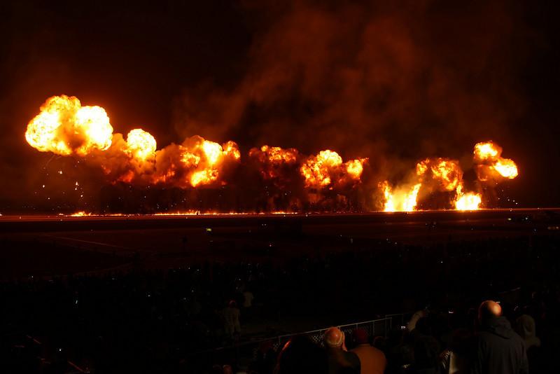 """USA 2009 - MCAS Miramar Air Show - Twilight Show - """"Great Wall of Fire"""""""