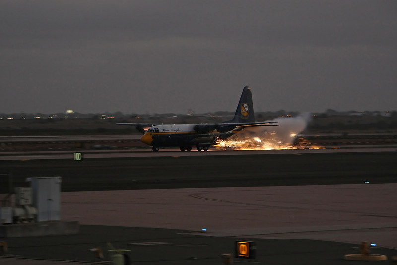 "USA 2009 - MCAS Miramar Air Show - Twilight Show<br /> US Marine Corps C-130 Hercules ""Fat Albert"" - Jet Assisted Take-Off demonstration (JATO)"