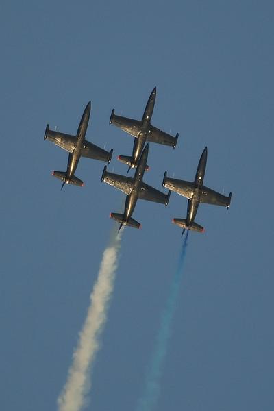 USA 2009 - MCAS Miramar Air Show - Twilight Show - The Patriots Team