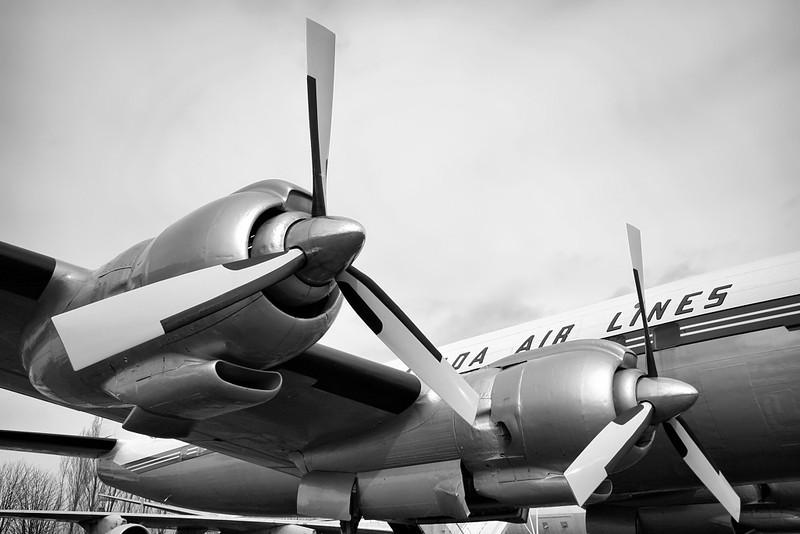 Trans-Canada Air Lines - TCA Lockheed L-1049G Super Constellation CF-TGE / 405 (cn 4544)