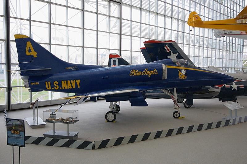 Douglas A-4F Skyhawk US Navy 154180 / 4 (cn 13637)
