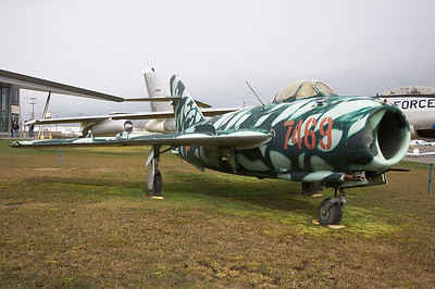 Mikoyan Gurevich MiG-17F Vietnam - Air Force 7469 (cn 1406016)