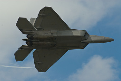 F-22 Raptor high speed pass