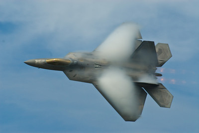 Condensation on the leading edge of the F-22