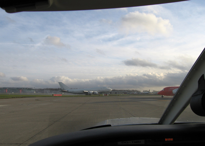 Behind the TNT 146, watching the first 747 touching down in front of my small bugsmasher certainly puts things in perspective.