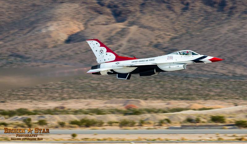 Thunderbirds F-16 Solo Takeoff @ Nellis AFB.  Las Vegas, Nevada