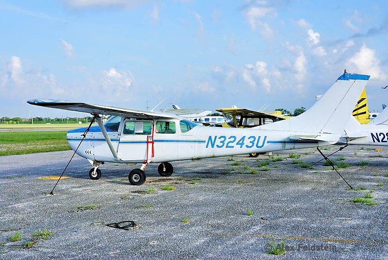 1963 Cessna 182F Skylane (derelict)