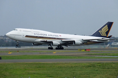 Singapore Airlines Boeing 747-400 9V-SPO