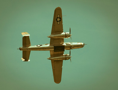 WW2 era B-25 banking left