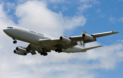 N707MQ OMEGA AIR TANKER B-707
