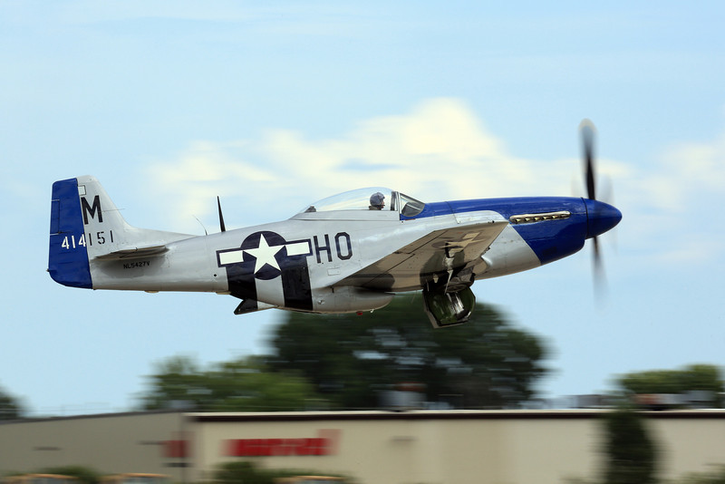 North American P-51D Mustang - NL5427V