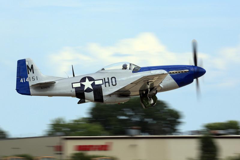 North American P-51D Mustang - NL5427V