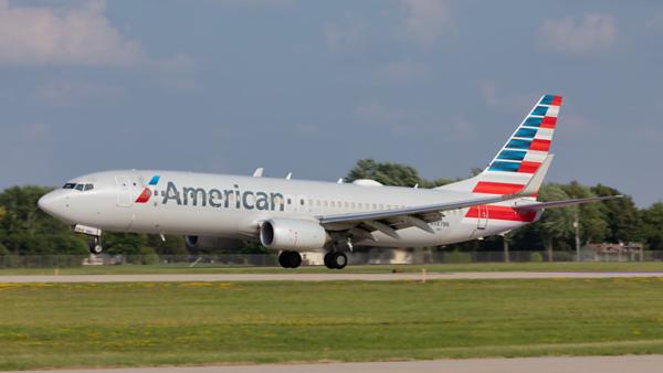 N987NN. Boeing 737-823. American. Oshkosh. 250719.