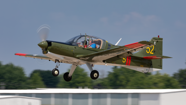 61052 (N1004N). SAL SA120 Bulldog. Swedish Air Force. Oshkosh. 240719.