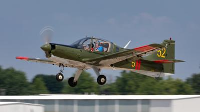 61052 (N1004N). SAL SA120 Bulldog. Swedish Air Force. Oshkosh. 240719.