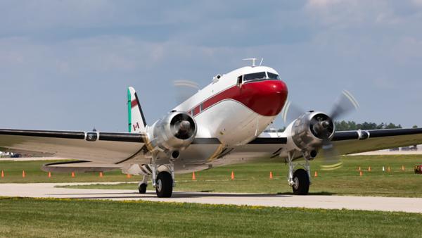 C-FDTD. Douglas DC-3C. Buffalo Airways. Oshkosh. 230719.