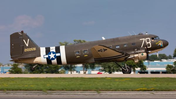 N3239T. Douglas C-47A Skytrain. USAAF. Oshkosh. 270719.